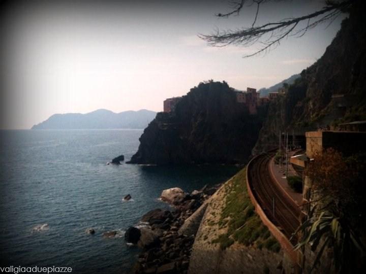 Un tratto della ferrovia vista mare