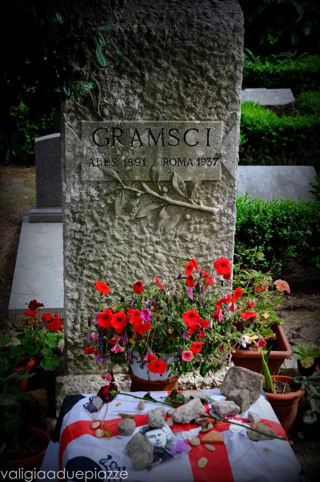 La lapide della tomba di Antonio Gramsci