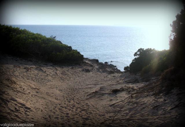 Una delle discese per raggiungere Calò des Morts, nella parte sudorientale di Formentera