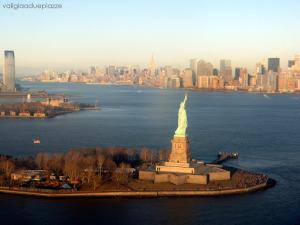 statua della libertà elicottero
