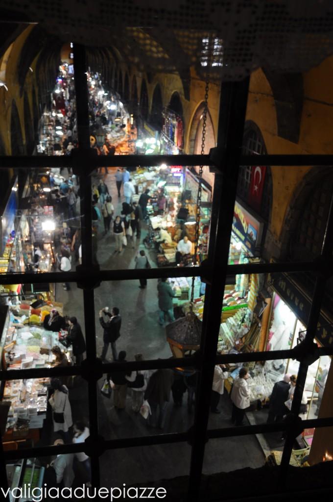 Vista dal Bab-i Hayat sul Bazar delle Spezie