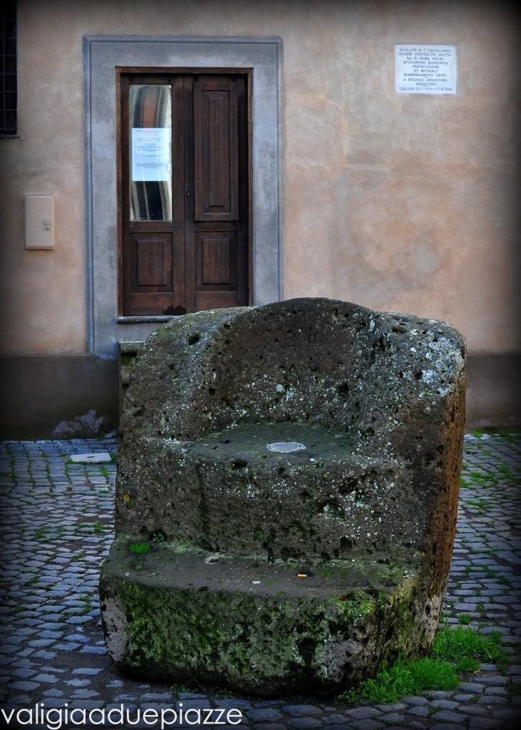 Trono di pietra Calcata