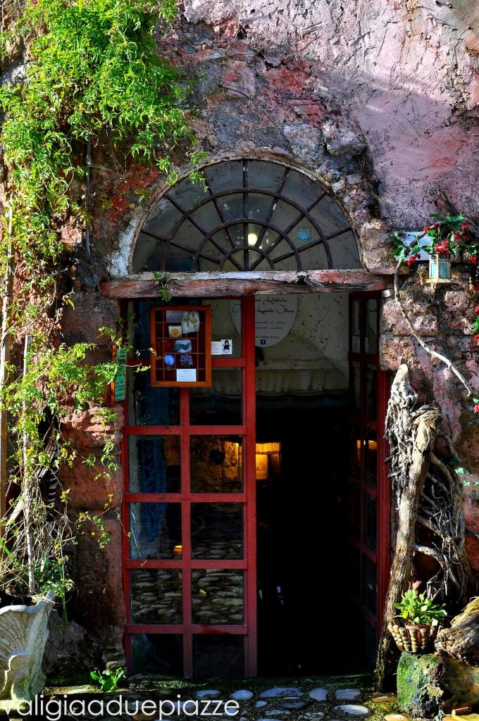 Calcata porta