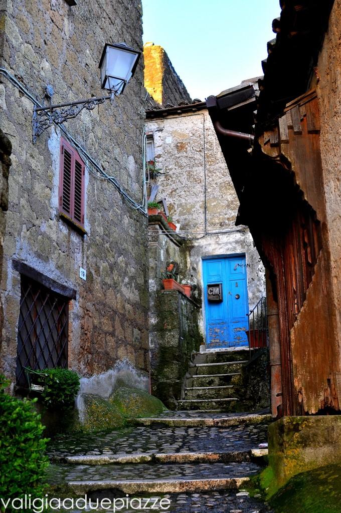 Porta blu Calcata