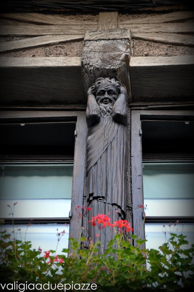 Carcassonne scultura