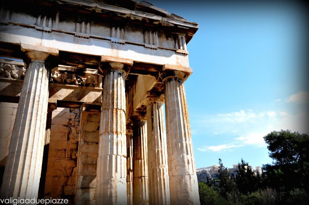 Tempio di Efesto, sullo sfondo l'Acropoli