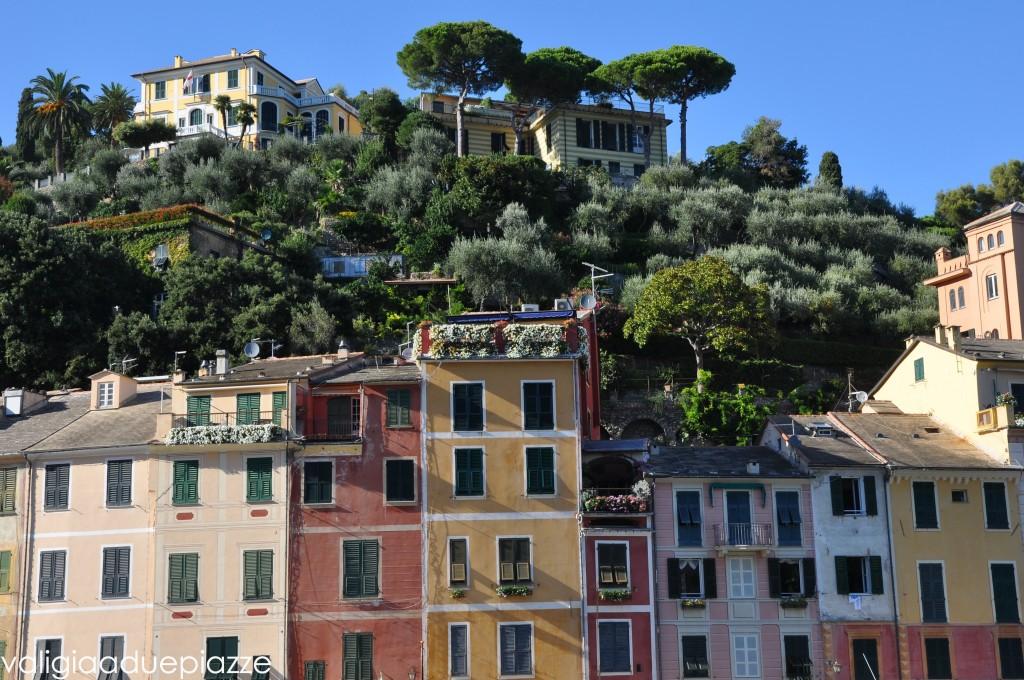 Le case colorate che si affacciano sul porticciolo di Portofino