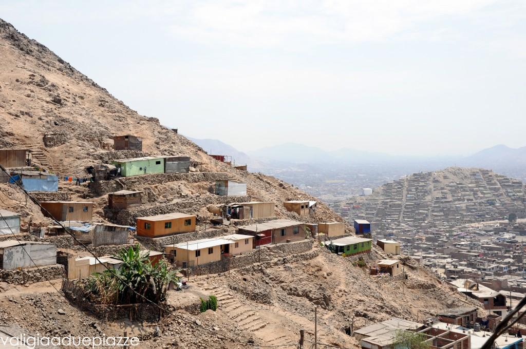 San Juan de Lurigancho favela Lima