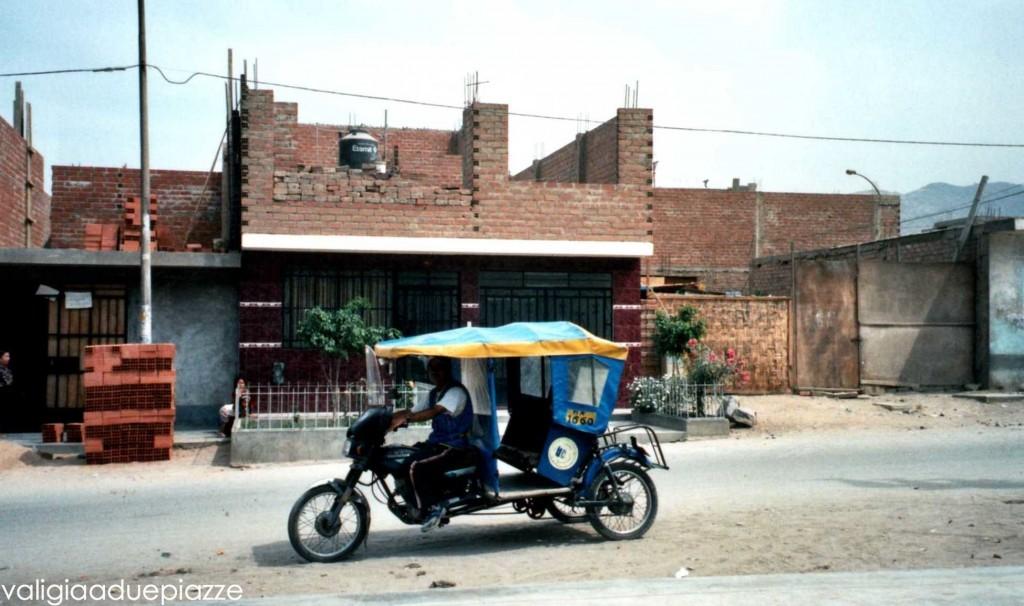 Motocicli invasiones Lima