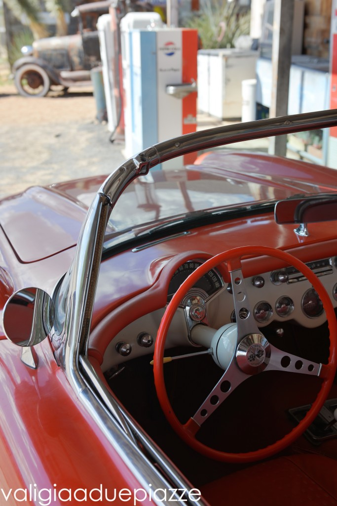 corvette rossa route 66