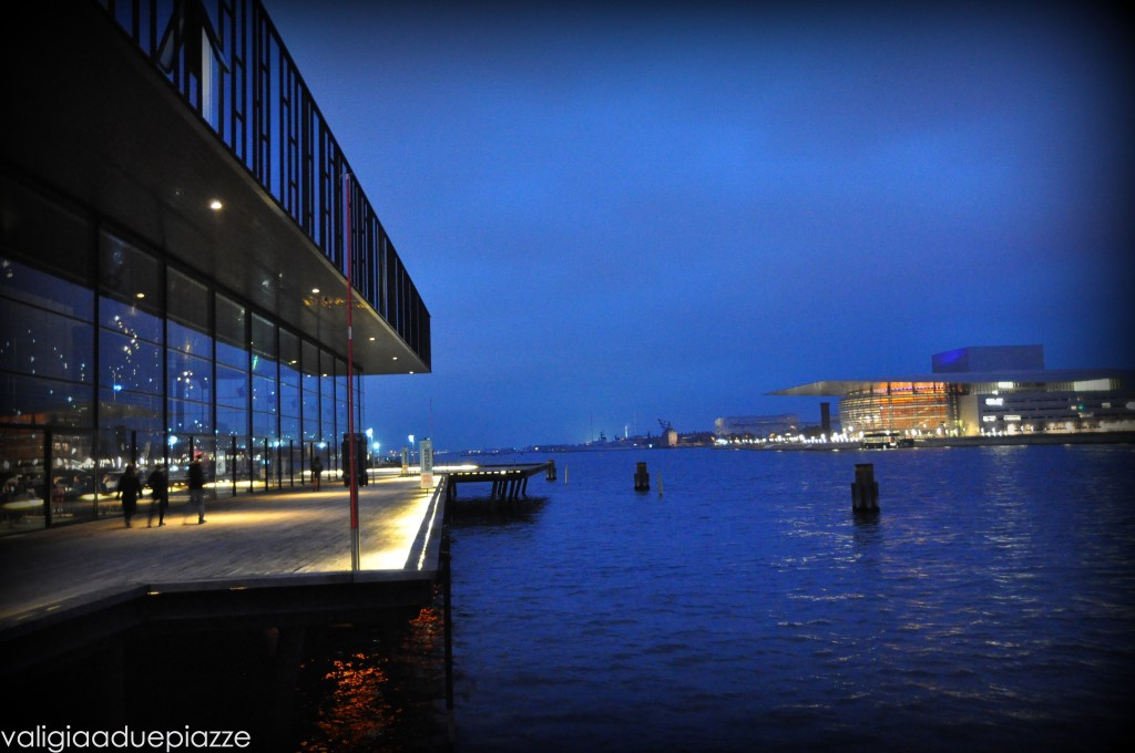 copenhagen di notte opera house