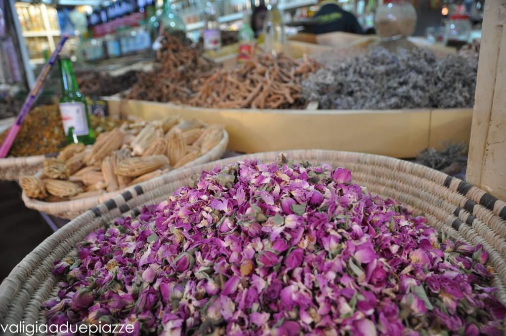 fiori spezie souq rissani marocco