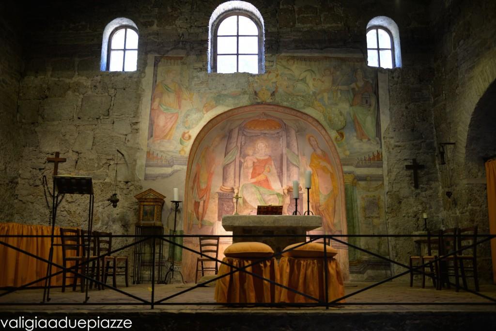 interno chiesa san liberato roma