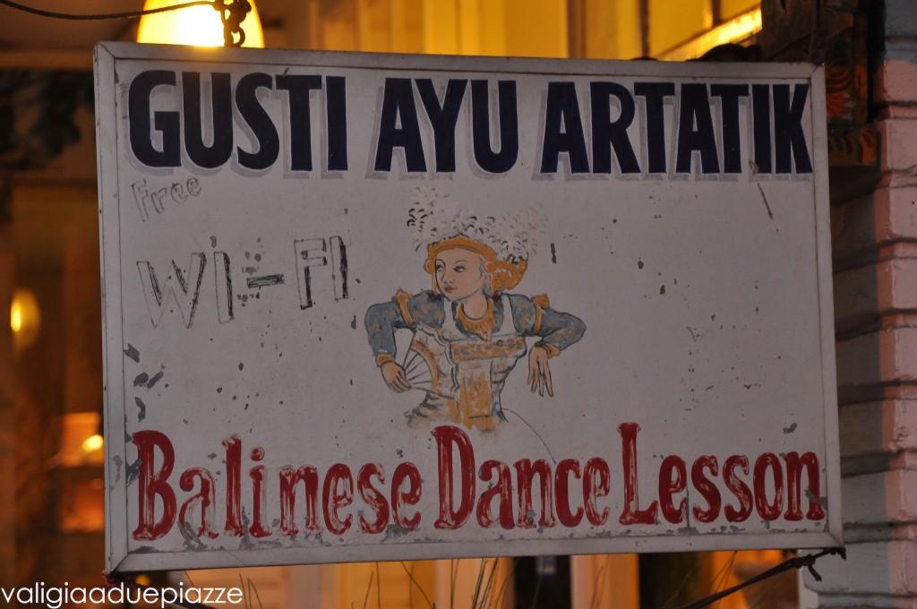 danza legong bali