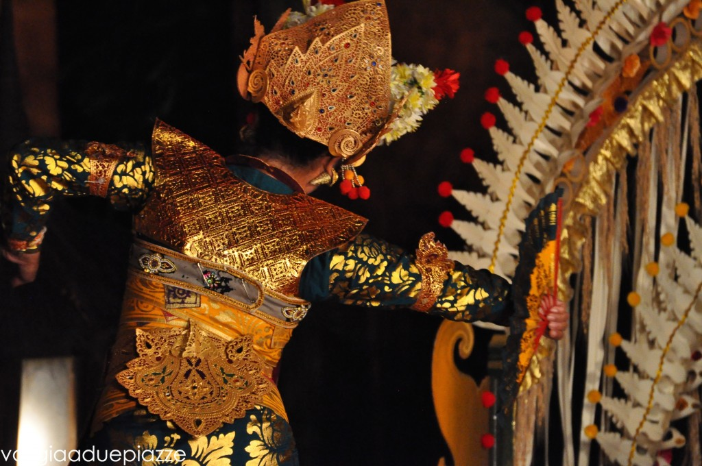 danza legong palazzo di ubud