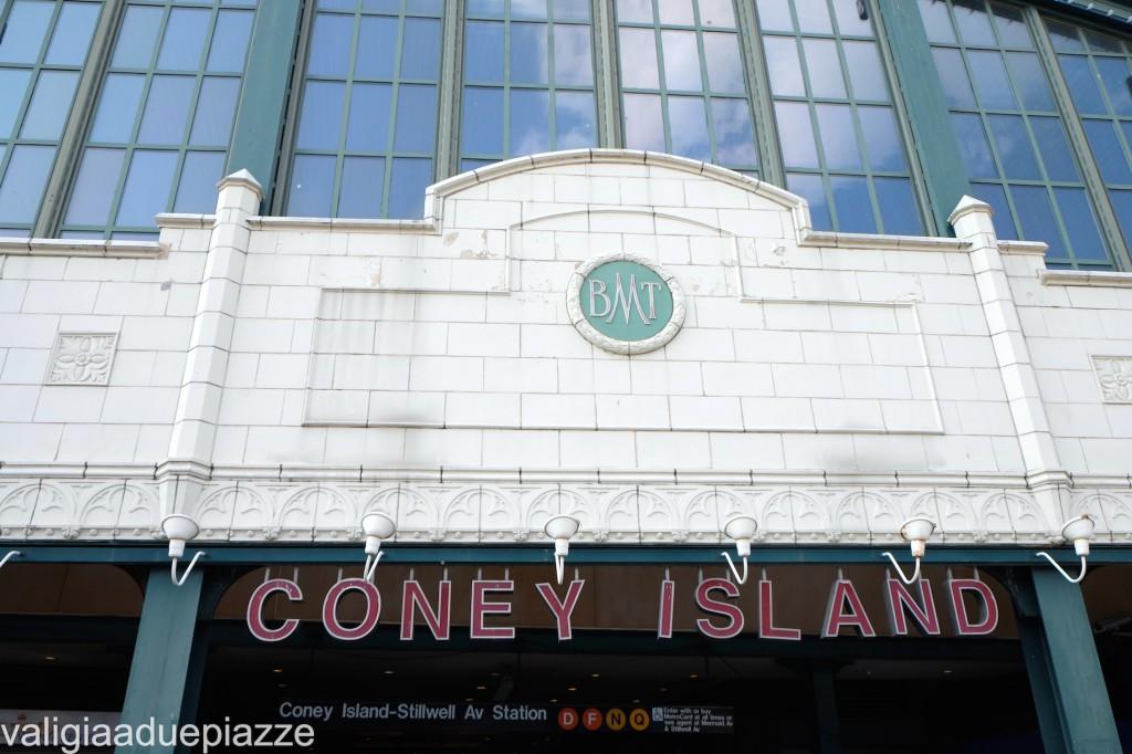 metropolitana coney island brooklyn