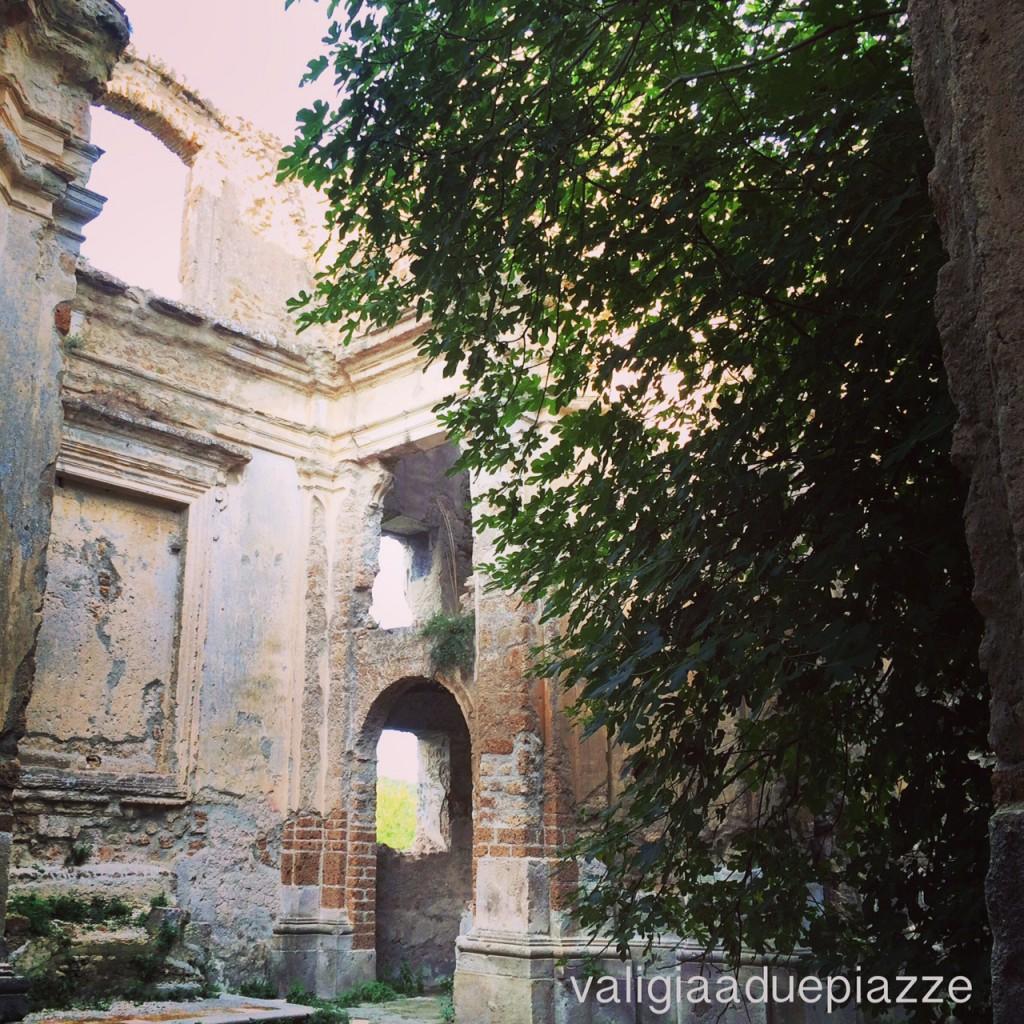 interno chiesa san bonaventura fico monterano vecchia