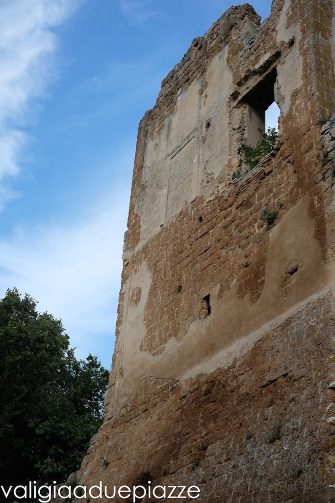 palazzo fortezza antica monterano bernini