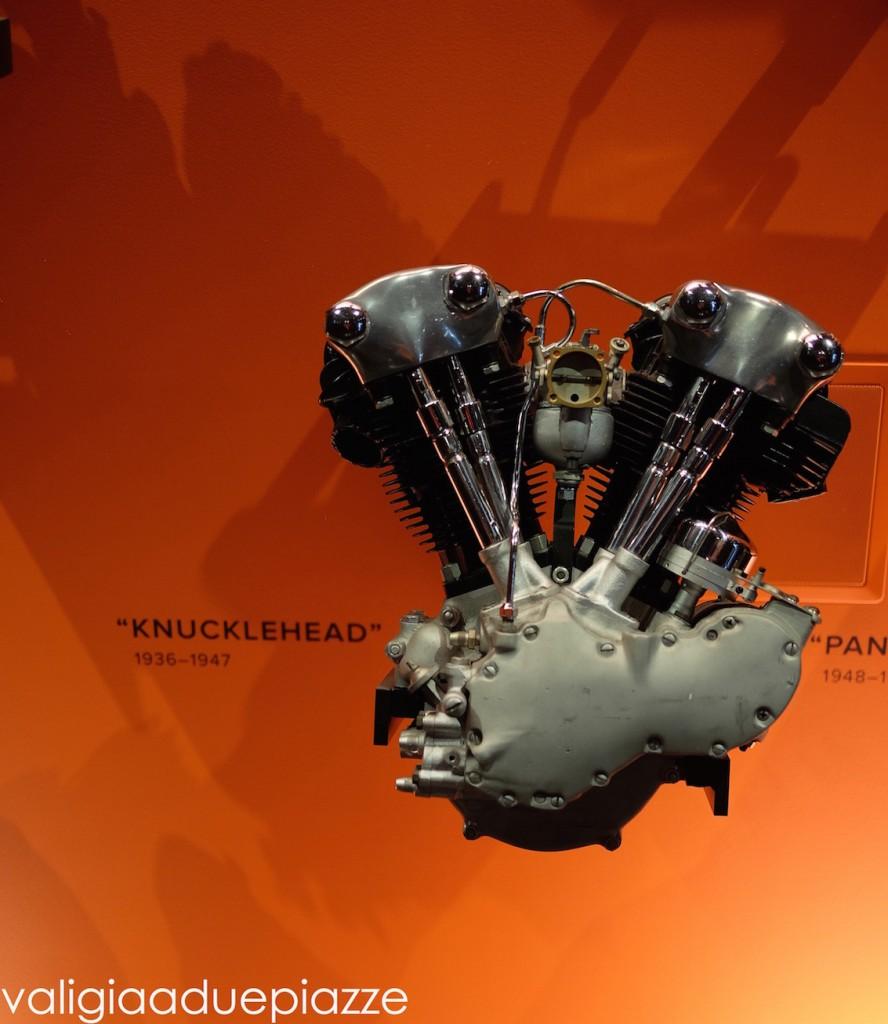 Ho scoperto che il motore dell'Harley Davidson ha quasi la forma di un cuore.