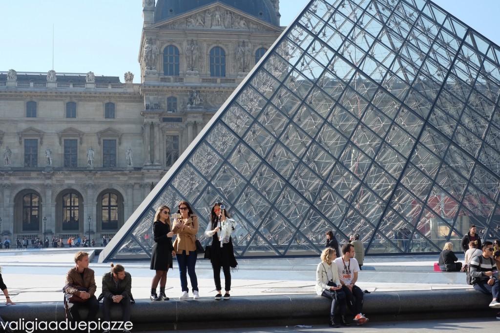 louvre piramide parigi