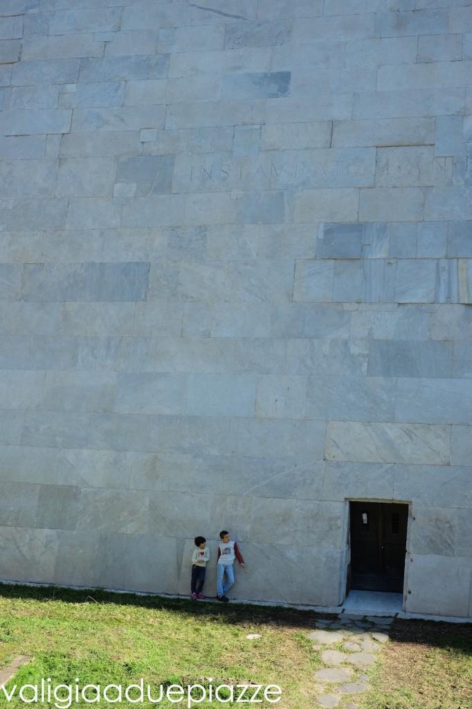 cimitero acattolico piramide