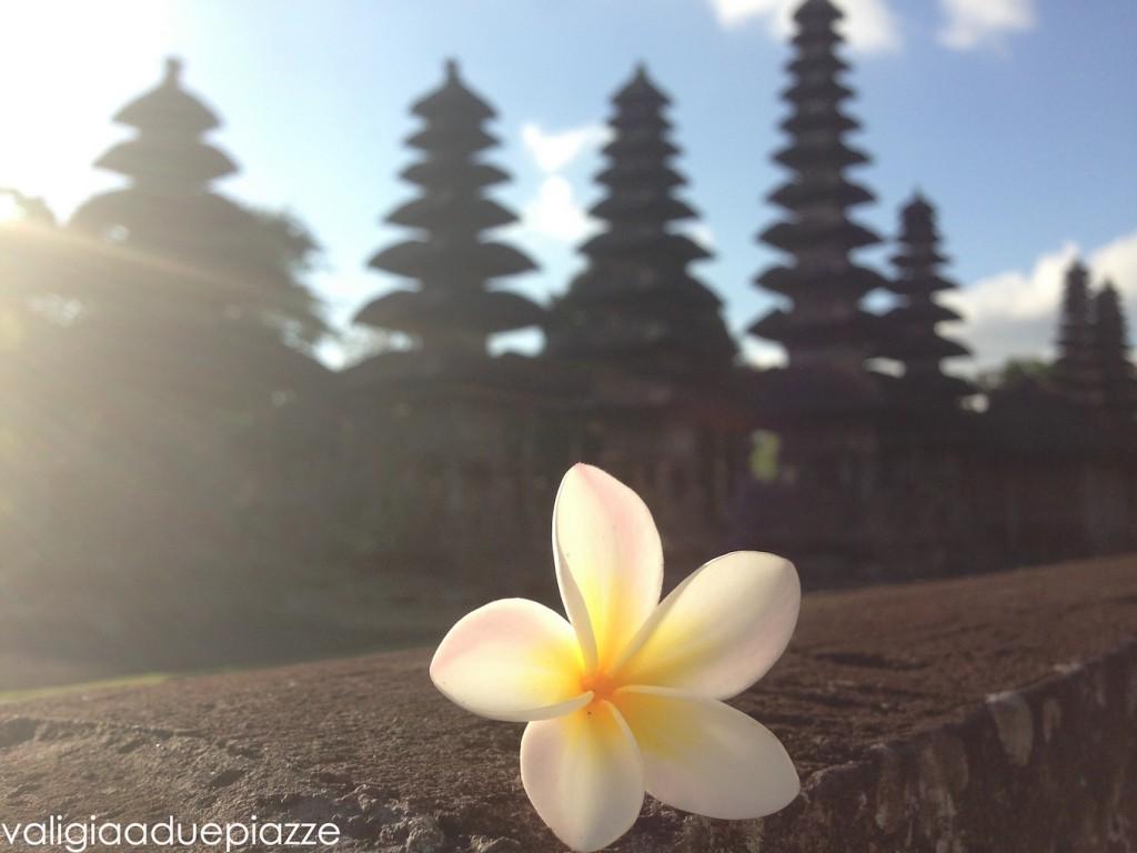 templi bali indonesia