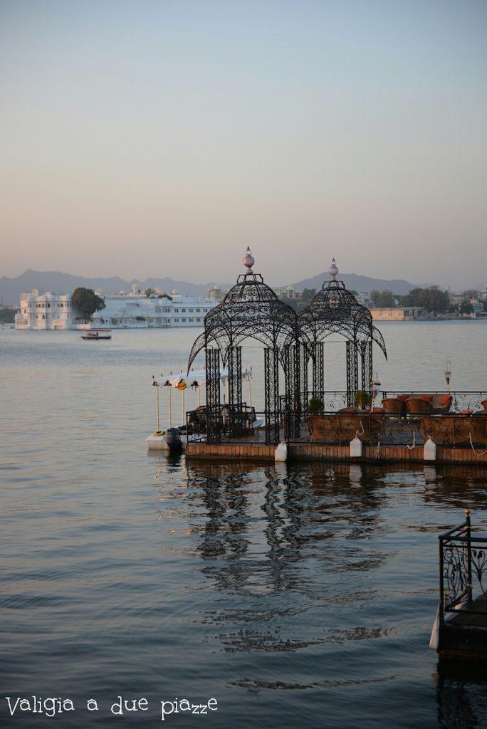 udaipur lago pichola rajasthan