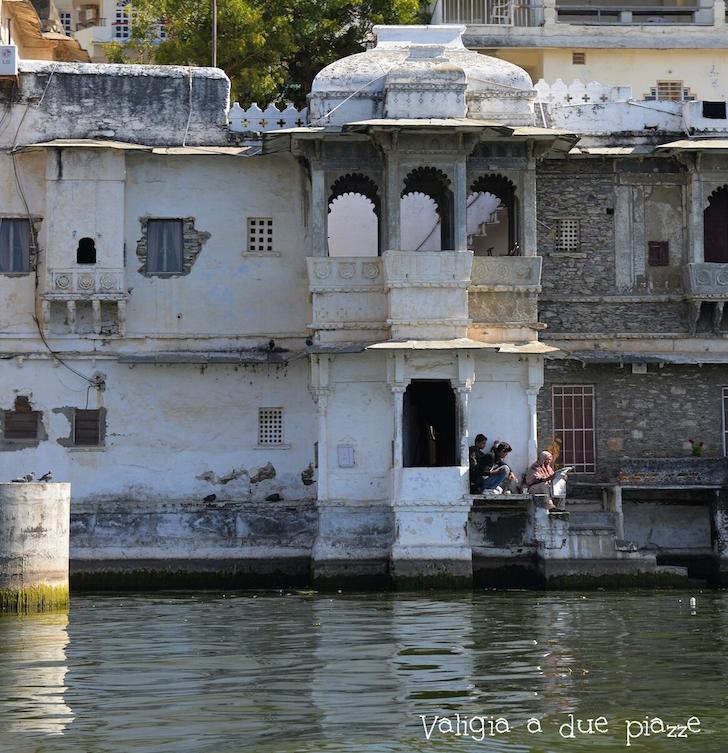 edifici sull'acqua udaipur