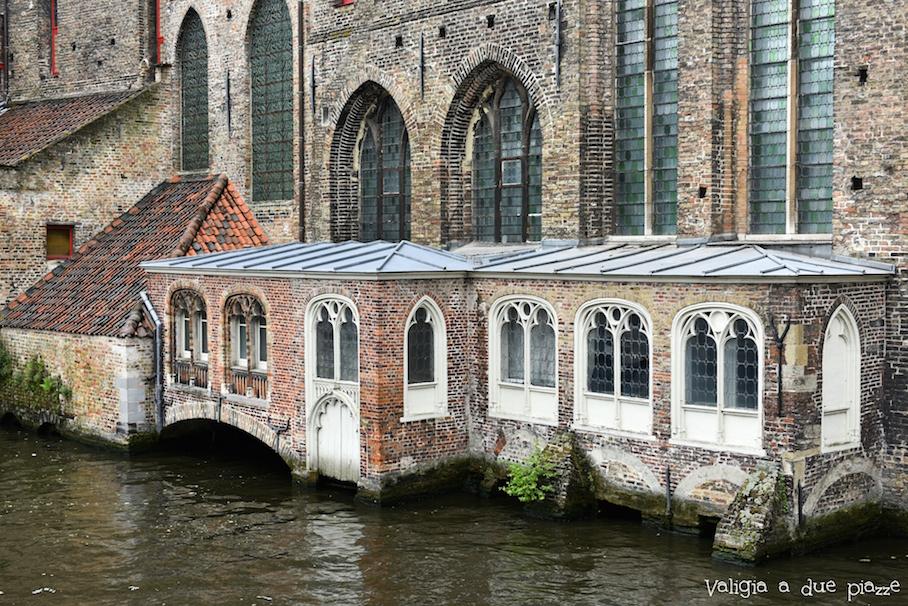 Bruges canali case sull'acqua