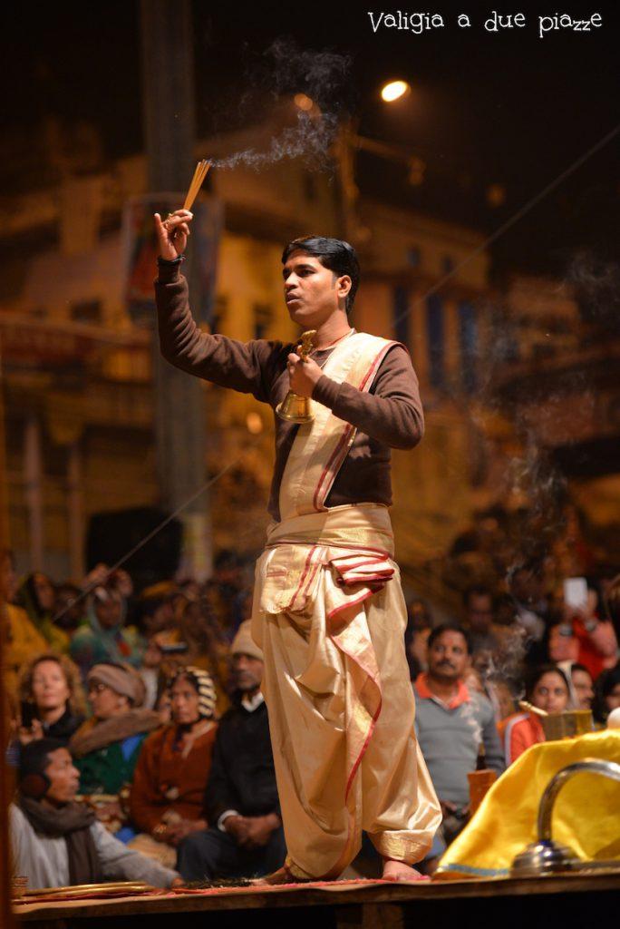 cerimonia aarti varanasi