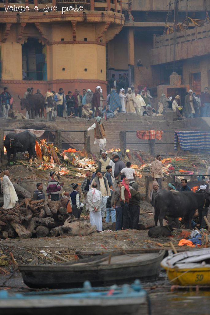 ghat crematori varanasi india