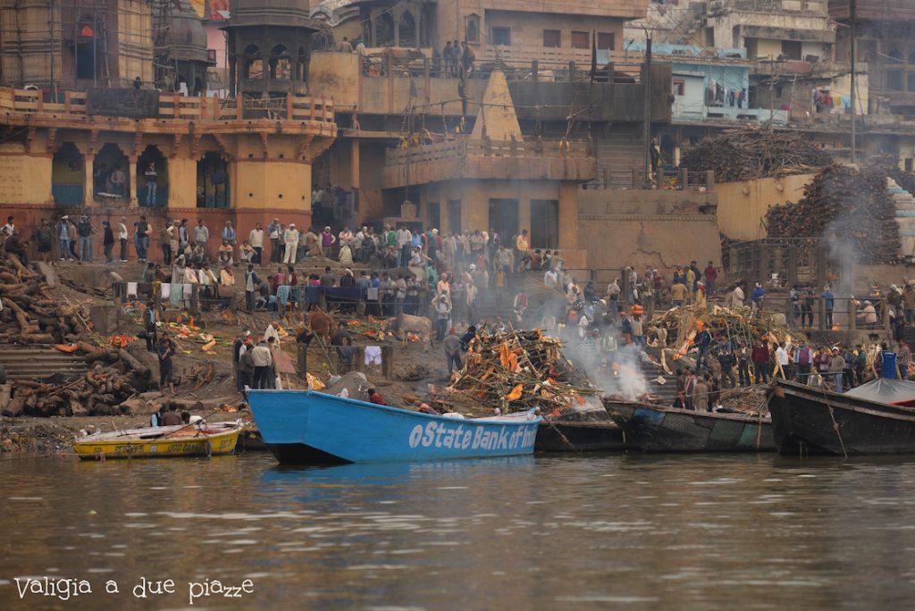 Ghat cremazione Varanasi