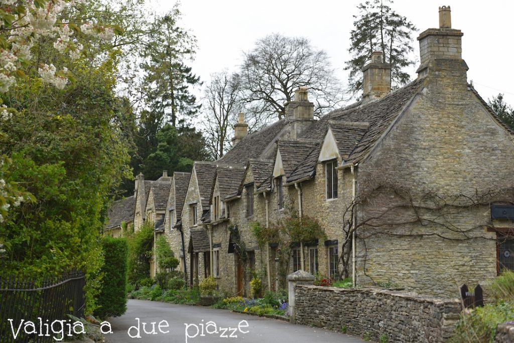 Bibury Cotswolds campagna inglese romantica