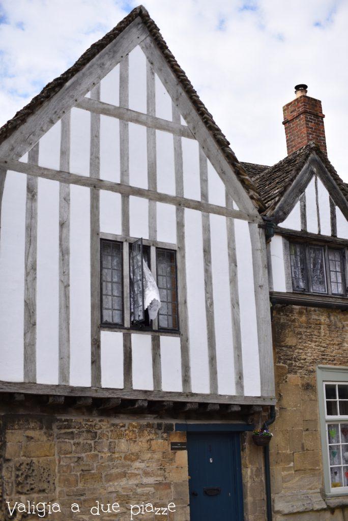 Le case a graticcio del villaggio di Lacock