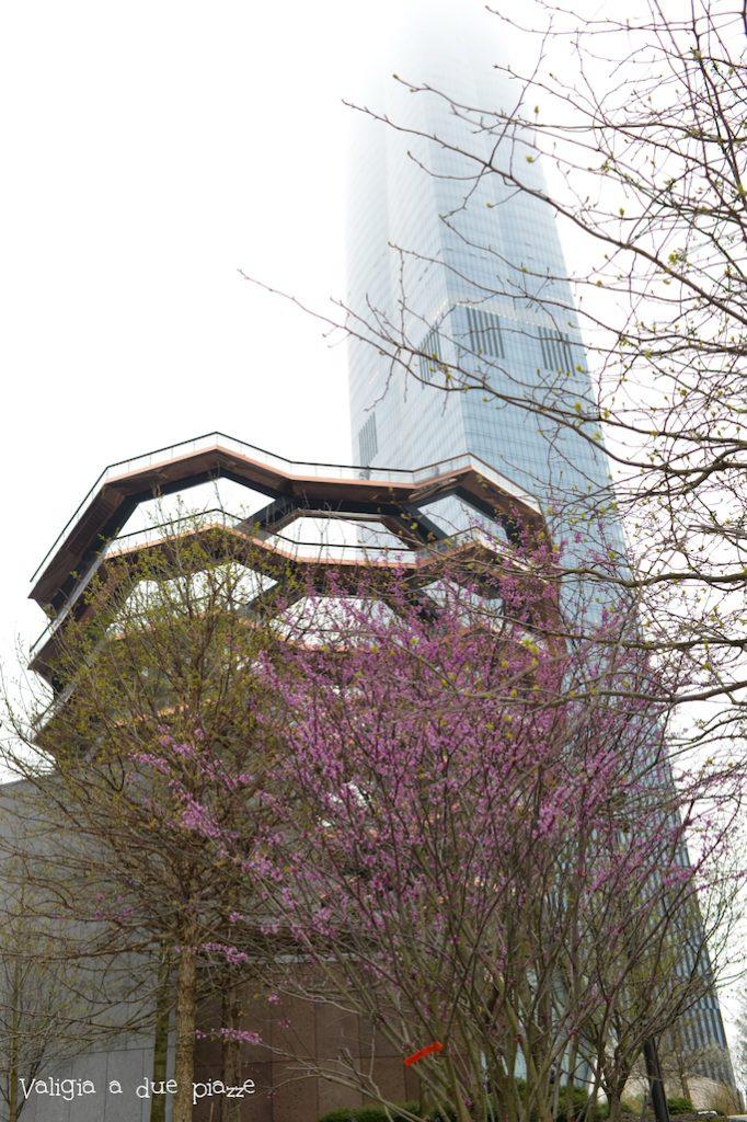 The Vessel e il grattacielo 30 Hudson Yards