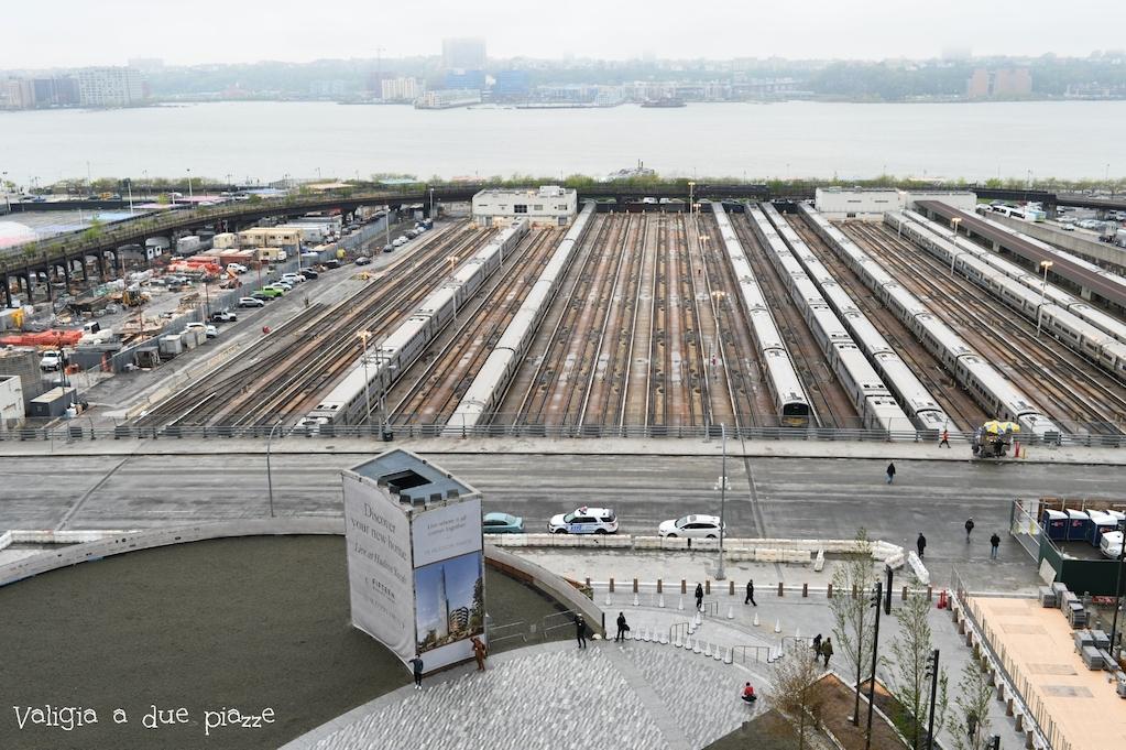 Vista sul New Jersey, l'Hudson River e il deposito dei treni