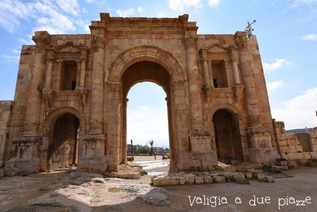La porta meridionale del sito archeologico di Jerash