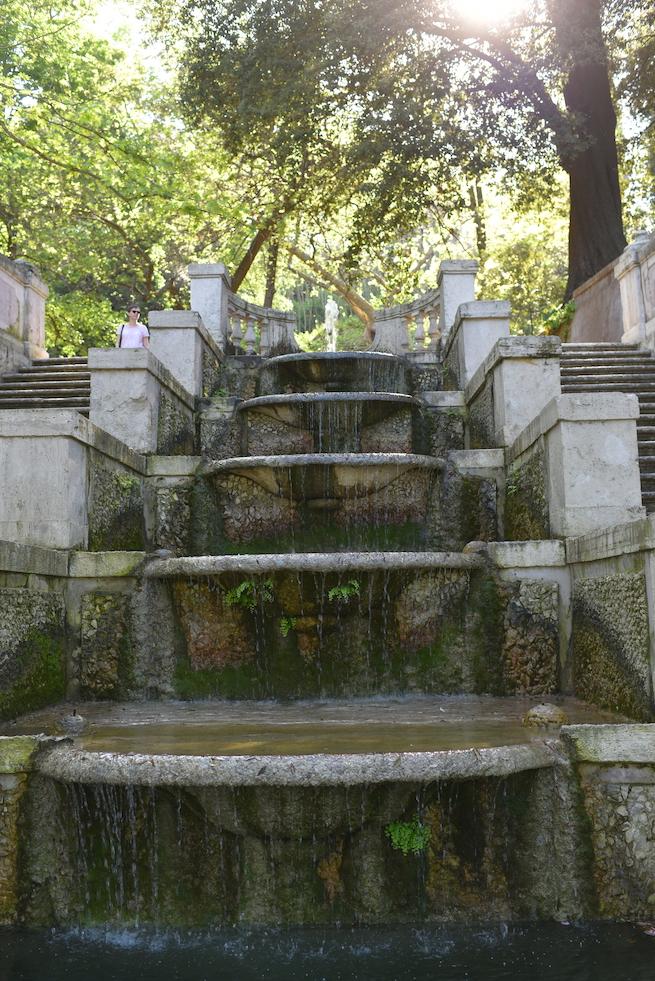 fontana undici zampilli orto botanico roma