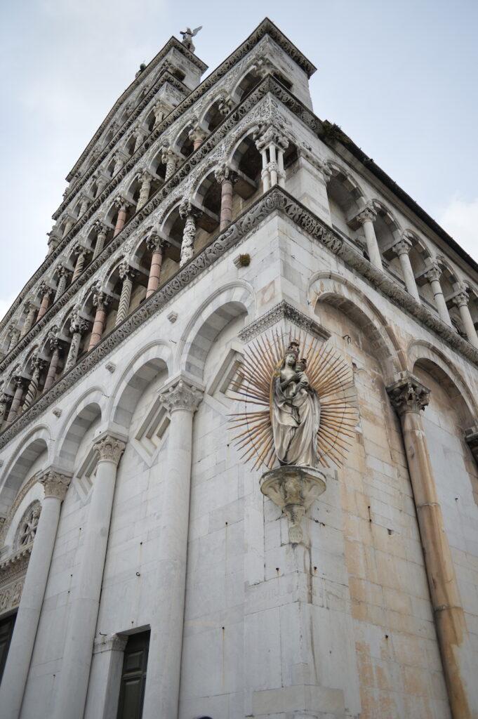Piazza San Michele a Lucca